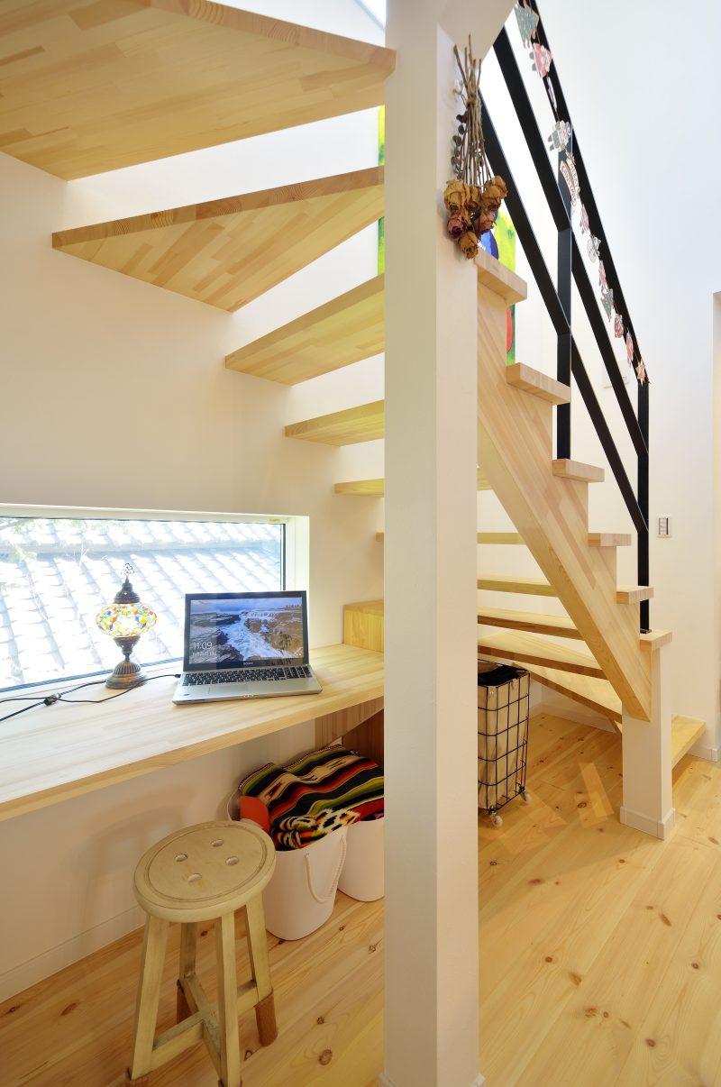 スケルトン階段がある家のスケルトン階段